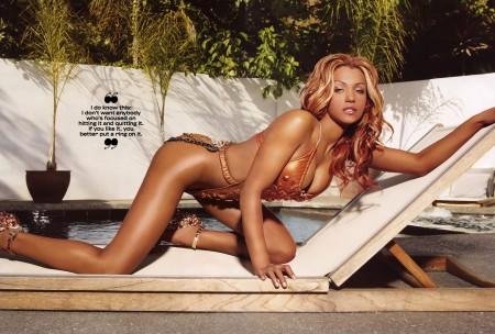 Dollicia Bryan — разворот King Magazine